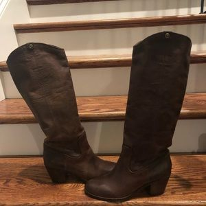 Frye women's tall boots brown size 8.5 new